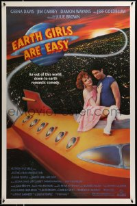 2106UF EARTH GIRLS ARE EASY 1sh '89 great image of Geena Davis & alien Jeff Goldblum on space ship!