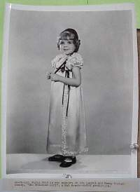 #3600 BOHEMIAN GIRL 8x10 36 Laurel portrait