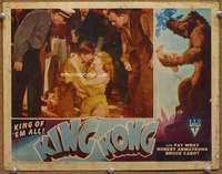 m035 KING KONG #4 movie lobby card R46 Bruce Cabot holds Fay Wray!