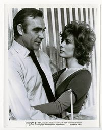 1b065 DIAMONDS ARE FOREVER 8x10 still.25 '71 great hug close up with Sean Connery & Jill St. John!