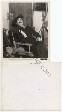 2d014 DUCK SOUP candid 8x10 '33 Groucho Marx in sailor suit relaxing on set with glasses in hand!