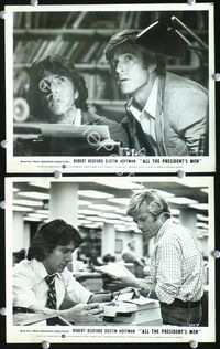 3y263 ALL THE PRESIDENT'S MEN 2 8x10s '76 Dustin Hoffman & Robert Redford as Woodward & Bernstein!