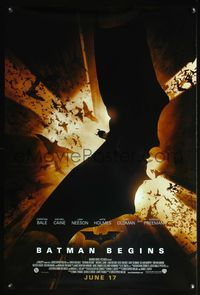 5m117 BATMAN BEGINS DS June 17 advance 1sh '05 great image of Christian Bale as the Caped Crusader!