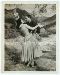9g054 BRIGADOON 8x10 still '54 great romantic close up art of Gene Kelly & Cyd Charisse!