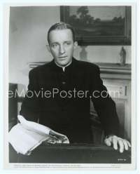 9g036 BELLS OF ST. MARY'S 8x10 still '46 close up of concerned priest Bing Crosby!