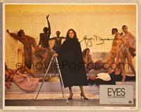 1d023 EYES OF LAURA MARS signed LC #5 '78 by Faye Dunaway, who's standing with camera & models!