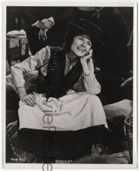7b021 MY FAIR LADY 8x10 still '64 Audrey Hepburn as low class flower seller Eliza Doolittle!