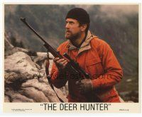 7b058 DEER HUNTER 8x10 mini LC '78 directed by Michael Cimino, c/u of Robert De Niro with rifle!