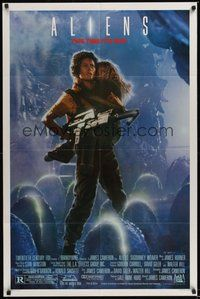 7r034 ALIENS Ripley 1sh '86 James Cameron, Signourney Weaver, this time it's war!