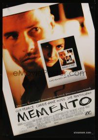 7x453 MEMENTO DS 1sh '00 Christopher Nolan, great Polaroid images of Guy Pearce & Carrie-Anne Moss!