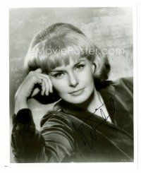 8h066 JOANNE WOODWARD signed 8x10 REPRO still '80s head & shoulders portrait of the pretty actress!