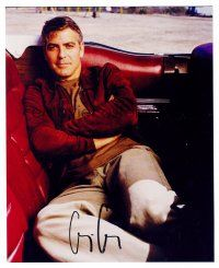 8s065 GEORGE CLOONEY signed color 8x10 REPRO still '03 c/u sitting in the back of a convertible!