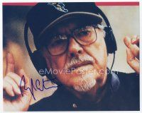 9a084 ROBERT ALTMAN signed color 8x10 REPRO still '02 cool c/u of the director wearing headphones!