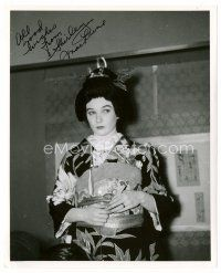9g109 SHIRLEY MACLAINE signed 8x10 REPRO still '80s great portrait in costume from My Geisha!