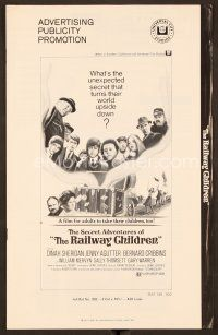 9g352 RAILWAY CHILDREN pressbook '71 Jenny Agutter, what secret turns their world upside down?