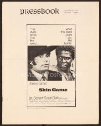 9g363 SKIN GAME pressbook '71 James Garner sells his best friend Louis Gossett Jr over & over!