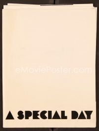 9g370 SPECIAL DAY pressbook '77 great image of Sophia Loren & Marcello Mastroianni!