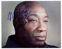 9k084 MICHAEL CLARKE DUNCAN signed color 8x10 REPRO still '00 super close up of the star!
