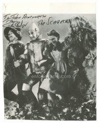 9w009 RAY BOLGER signed book page '80s on a picture with his co-stars from The Wizard of Oz!