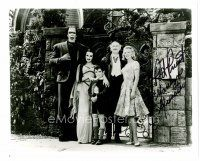 9z275 PAT PRIEST signed 8x10 REPRO still '80s as Marilyn with her family from TV's The Munsters!
