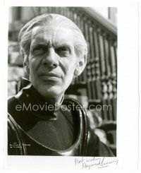 9z280 RAYMOND MASSEY signed 8x10 REPRO still '80s head & shoulders portrait of the great actor!