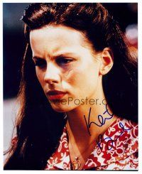 9z260 KATE BECKINSALE signed color 8x10 REPRO still '02 close up of the pretty English actress!