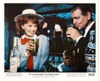 1m078 IT STARTED IN NAPLES color 8x10 still '60 c/u of Clark Gable having drinks with Sophia Loren!