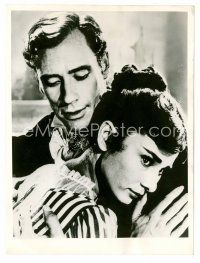 1m008 WAR & PEACE English 6.5x8.75 still '56 close up of Audrey Hepburn & husband Mel Ferrer!