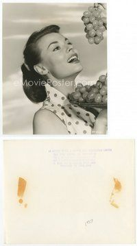 2a028 ANNE HEYWOOD English 7.25x9.25 still '57 c/u of the sexy English actress eating grapes!