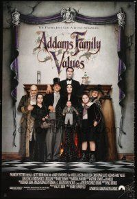 2y026 ADDAMS FAMILY VALUES 1sh '93 Christina Ricci, the family just got a little stranger!
