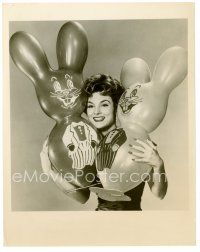 4h054 ALLISON HAYES TV 7.25x9 news photo '61 the sexy actress with Easter Bunny balloons!