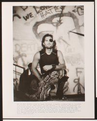 5a005 ESCAPE FROM NEW YORK presskit '81 John Carpenter, Kurt Russell as Snake Plissken, Isaac Hayes