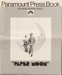 5b403 PAPER MOON pressbook '73 great image of smoking Tatum O'Neal with dad Ryan O'Neal!