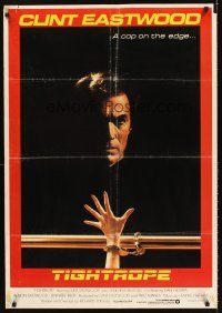 5j023 TIGHTROPE Lebanese '84 Clint Eastwood is a cop on the edge, cool handcuff image!