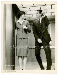 6r071 APARTMENT 8x10 still '60 cool image of Jack Lemmon & Shirley MacLaine in elevator!