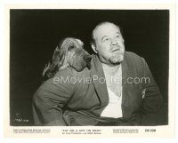 7w065 CAT ON A HOT TIN ROOF candid 8x10 still '58 wonderful image of Burl Ives w/hound dog!