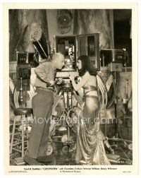 7w067 CLEOPATRA candid 8x10 still '34 director Cecil B. DeMille & Claudette Colbert by camera!