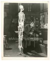 7w003 FRANKENSTEIN 8x10 still R51 Dwight Frye as Fritz looks up at hanging skeleton!
