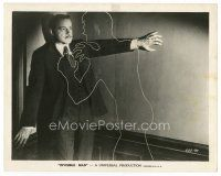 7w006 INVISIBLE MAN 8x10 still '33 incredible special effects scene of him about to choke a guy!