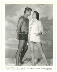 8j013 4 GIRLS IN TOWN 8x10 still '56 sexy Julie Adams smiles at George Nader in swimsuit!