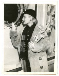 8j035 ANN HARDING 6.5x8.5 news photo '35 being interviewed upon her departure to Hawaii!