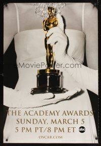 9k008 78th ANNUAL ACADEMY AWARDS TV DS 1sh '06 cool image of woman w/gloves holding Oscar!
