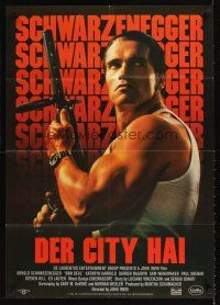 9p284 RAW DEAL German '86 great close up of tough guy Arnold Schwarzenegger with gun!