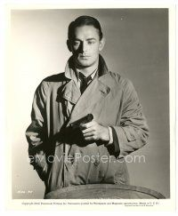 1m019 ALAN LADD 8x10 still '42 incredible close up with gun from This Gun For Hire!
