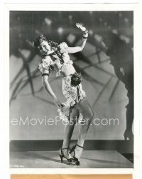 1m029 ANN MILLER 7.25x9 news photo '46 showing off her sexy legs in Carmen Miranda-like outfit!