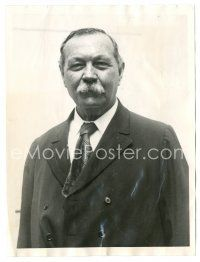 1m042 ARTHUR CONAN DOYLE 6x8 news photo '30 after being sick in Scandinavia on spiritualist tour!