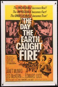 4x066 DAY THE EARTH CAUGHT FIRE linen 1sh '62 Val Guest sci-fi, most jolting events of tomorrow!