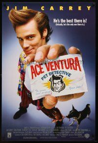 8s014 ACE VENTURA PET DETECTIVE 1sh '94 Jim Carrey tries to find Miami Dolphins mascot!