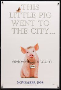 8s054 BABE PIG IN THE CITY teaser DS 1sh '98 cute image of director George Miller's talking pig!