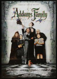 2d065 ADDAMS FAMILY German '91 Raul Julia, Christina Ricci, Christopher Lloyd, weird is relative!